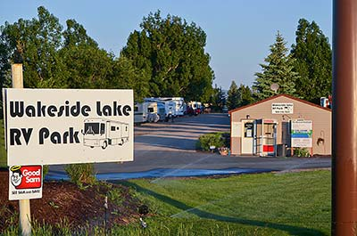 Entrance to Wakeside Lake RV Park