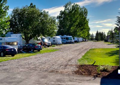 RVs parked at Wakeside Lake RV park